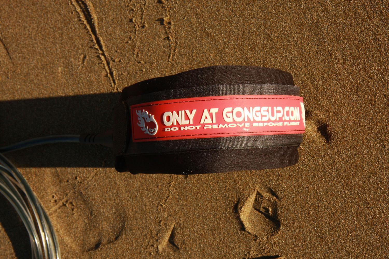 gongkneeleash015